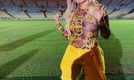 Karol G interpretó el tema oficial de la Copa América 2019