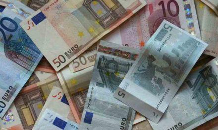 Bancos cobrarán por operaciones de las mesas de cambio