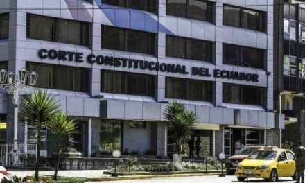 Corte de Ecuador analiza requisitos de entrada para venezolanos
