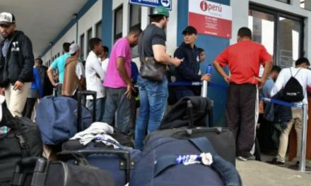 Perú negó entrada a venezolanos por no tener visa humanitaria