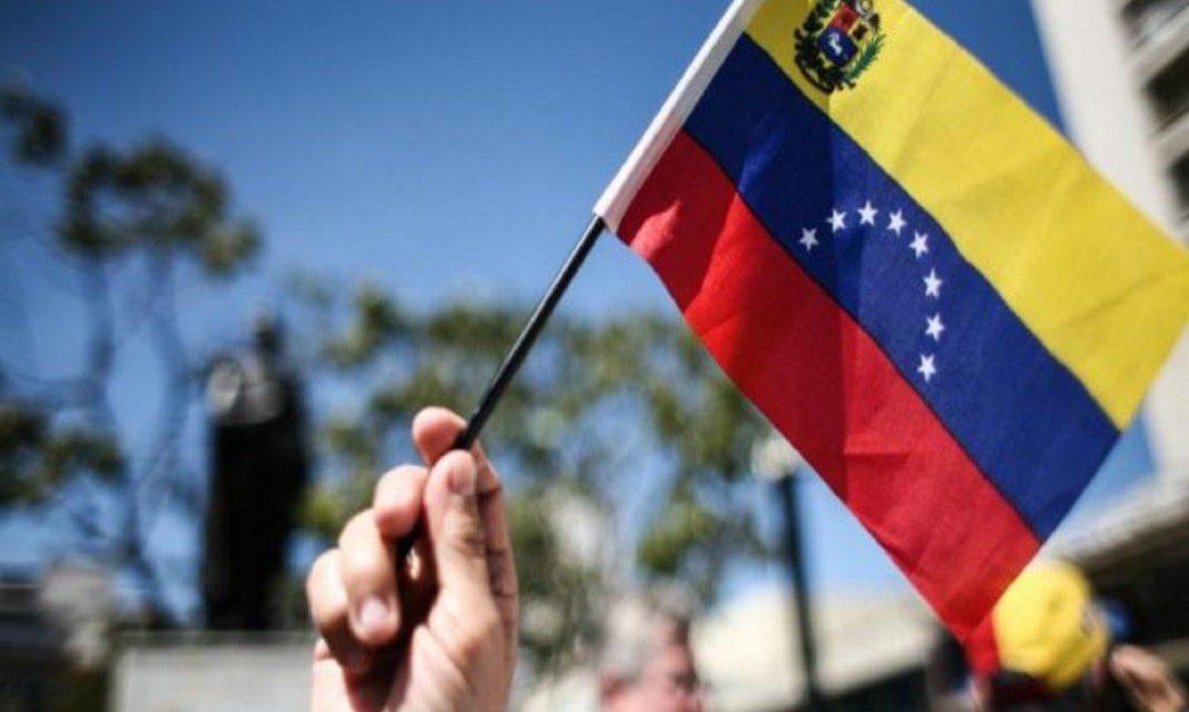Gobierno y oposición vuelven este lunes a Barbados para seguir las mesas de diálogo