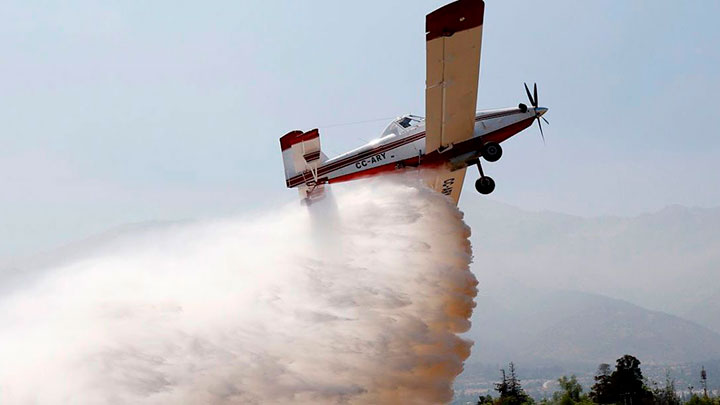Chile envía el primer avión cisterna a la Amazonía para combatir los incendios