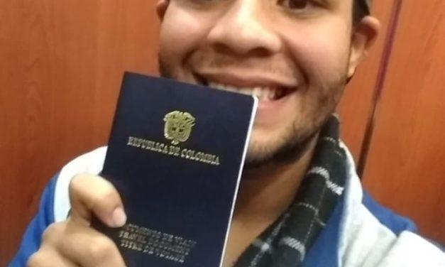 Alexander Beja recibió pasaporte para viajar a México y cantar con Camila