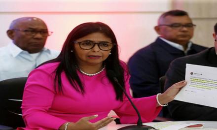 Delcy Rodríguez: el bloqueo patea la mesa de diálogo