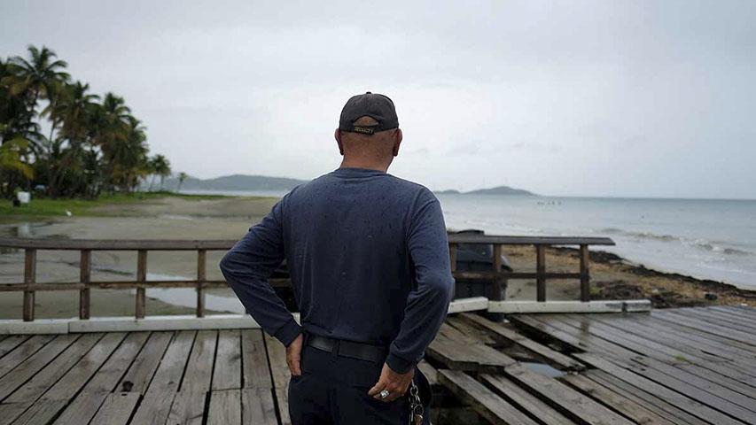 Dorian pone en emergencia a las costas de EE.UU.