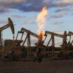 Precios del crudo suben por alivio de tensión comercial entre EE.UU. y China